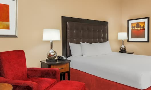 Hilton Promenade at Branson Landing Hotel, MO - King Bed Deluxe Room