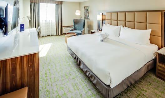 Pullman Suite Bedroom