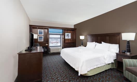 King Standard Guestroom