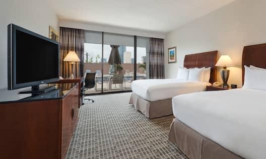 2 Double Beds Guestroom