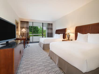 2 Queen Beds Guestroom View