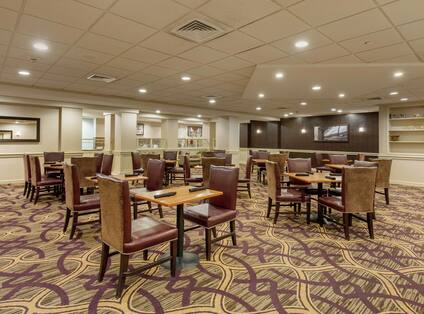 DoubleTree Hotel Dining Area with Tables and Chairs