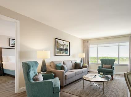 Executive Suite River View Guestroom