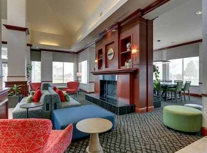 Lounge Area in Lobby