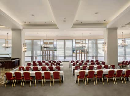 Monet Meeting Room Tables and Seating