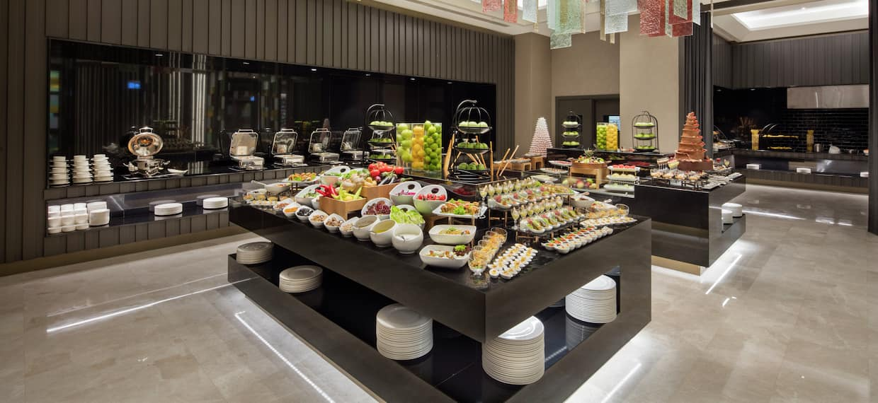Buffet with Fruit