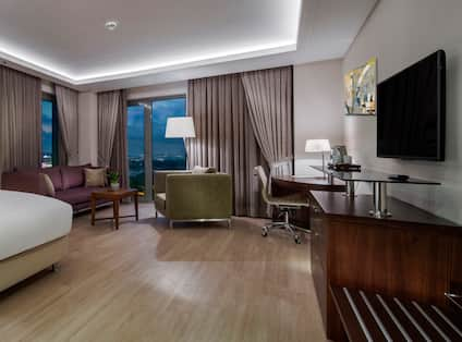 DoubleTree by Hilton Istanbul Topkapi Hotel, TR - KING CORNER ROOM