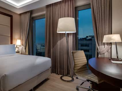 DoubleTree by Hilton Istanbul Topkapi Hotel, TR - KING DELUXE ROOM WITH CITY VIEW