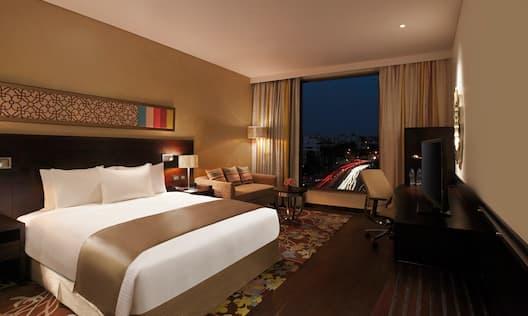 Executive Room - Night View