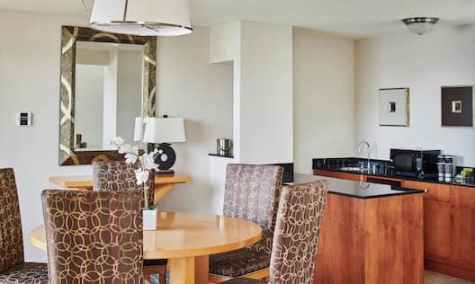Bi-Level Suite, Dining Area