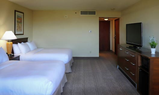 Double queen accessible room