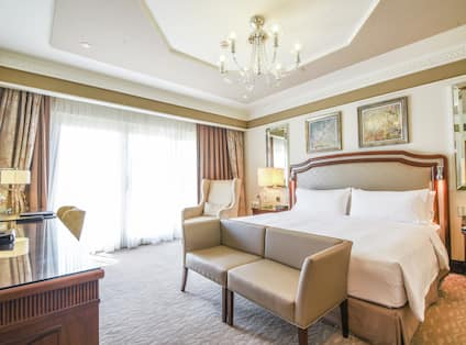 Grand Deluxe Guest Room with King Bed and Work Desk