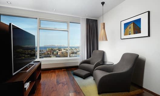 Queen Executive Room Lounge Area