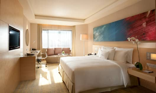 MY 1 King Bed Executive Room