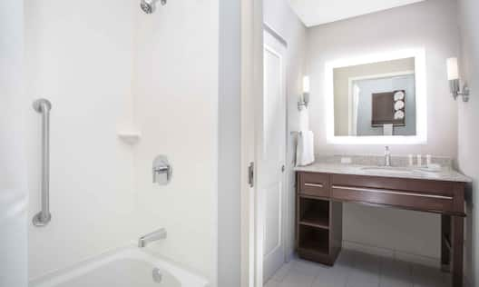 Guest Bathroom Vanity and Tub