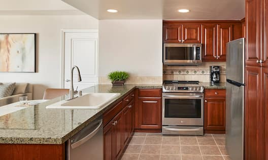 kitchen with microwave