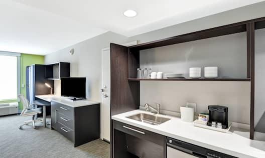 Home2 Suites by Hilton Azusa Hotel, CA - Accessible Studio Suite