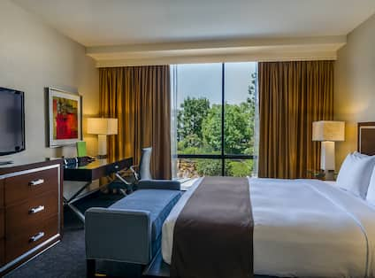 King Garden Suite Bedroom