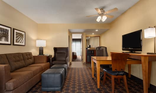 Renovated Parlor Suite
