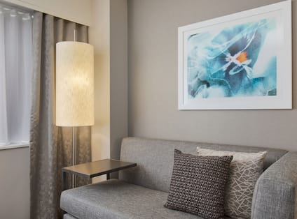King Executive Suite Sitting Area with Couch