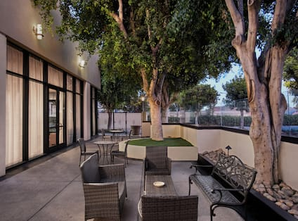 Oudoor Patio with Seating