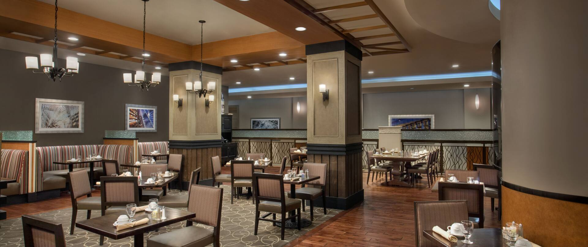 Sonoma Grill Restaurant Seating