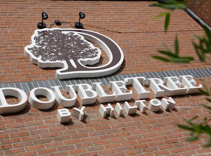 DoubleTree by Hilton Exterior Sign