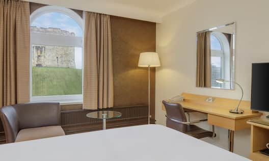 Queen Deluxe Room with Tower View
