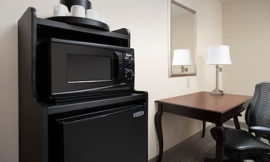 Guestroom with Microwave, Mini Fridge and Work Desk