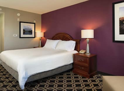 King Bed, Guest Room