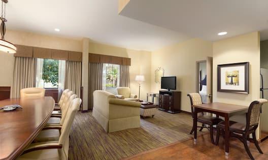 King Deluxe 1 Bedroom Suite