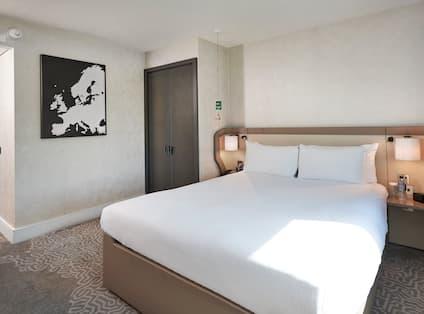 Queen Hilton Accessible Room