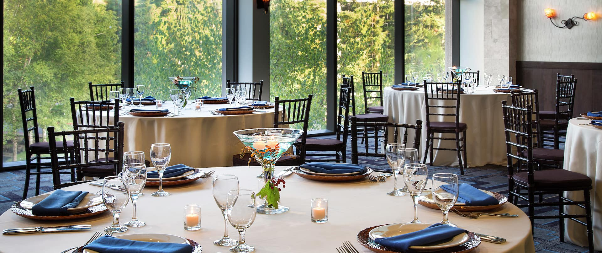 Vancouver Meeting Room Banquet Tables and Floor-To-Ceiling Windows