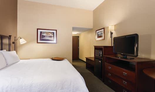 1 King Guest Room