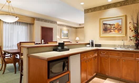 Suite Kitchen and Dining Area