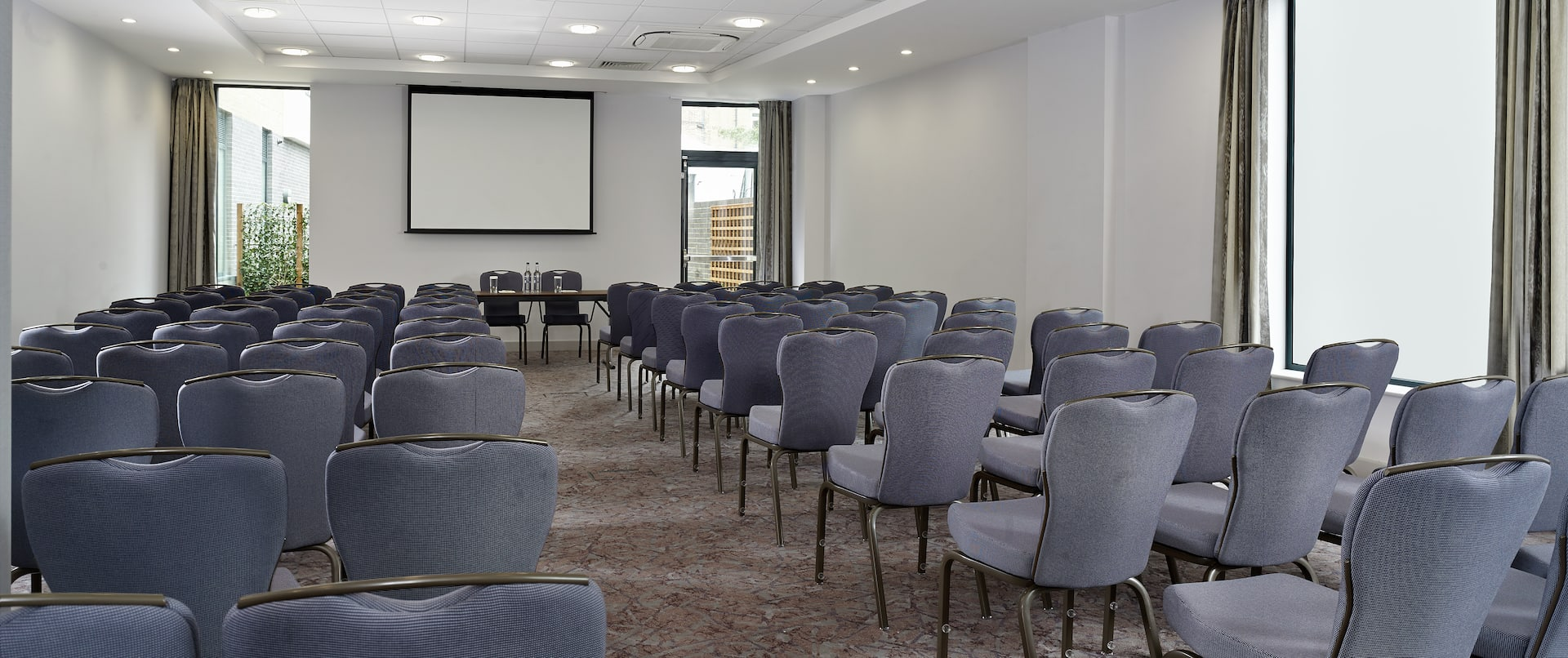 Meeting Room Theater with Screen