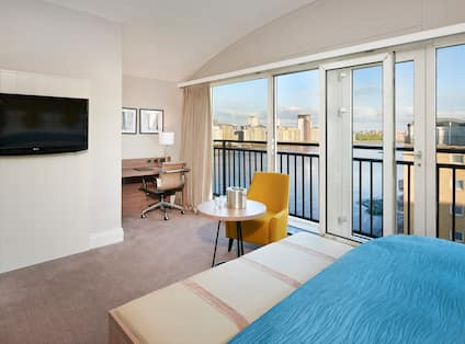King Suite Guestroom