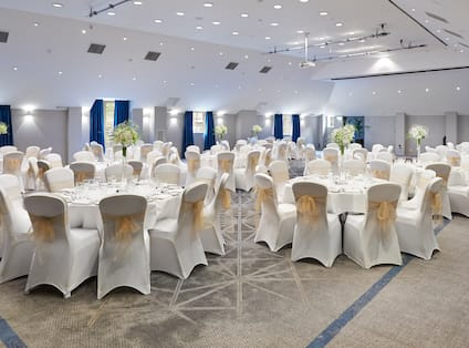 London Rm Wedding Set Up