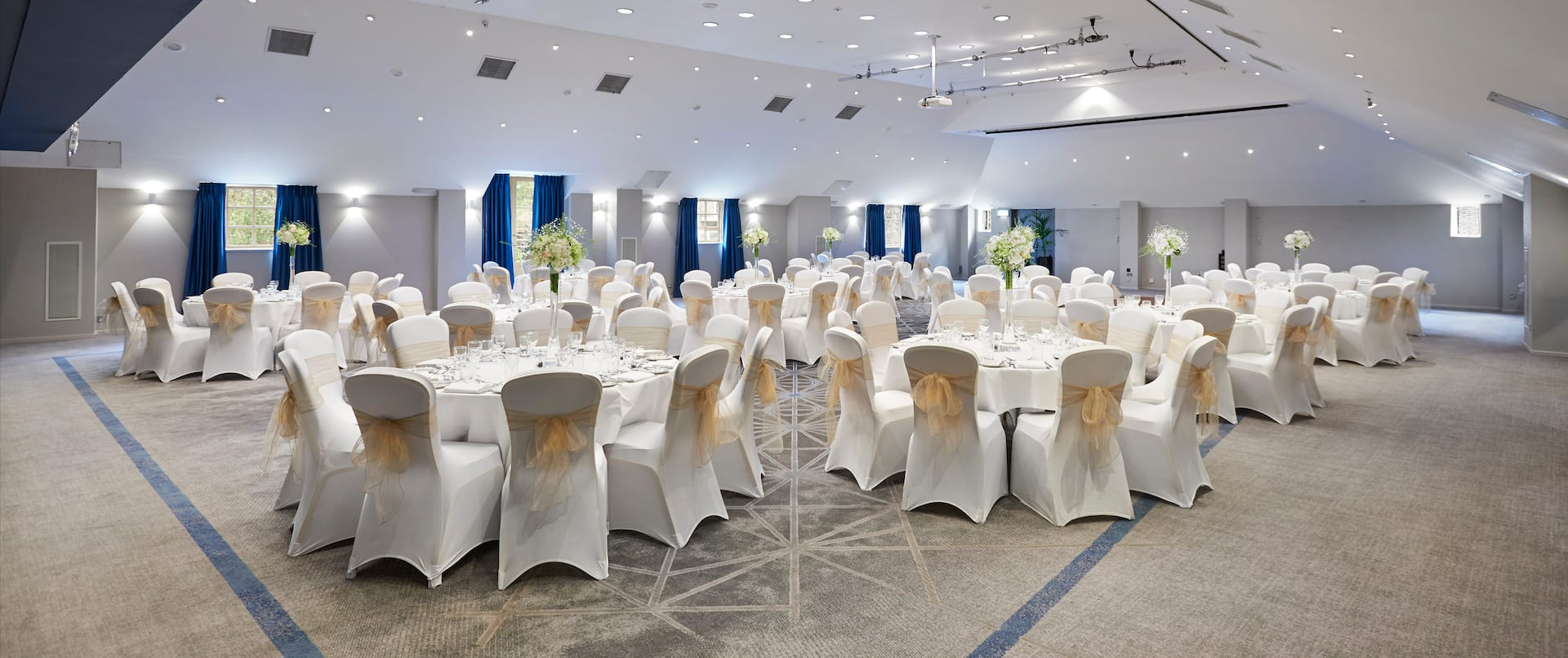 London Rm Wedding Set Up