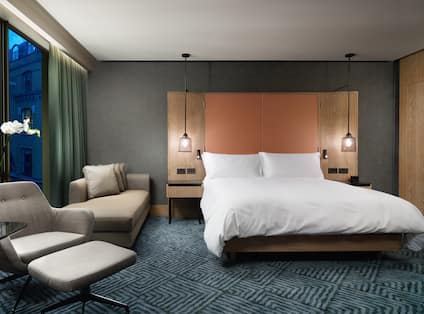 Executive Room Bed and Seating