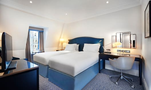 Twin Hilton Bedroom