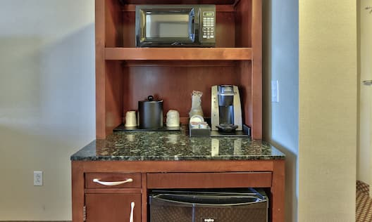 Standard Guestroom Amenities Coffee and Appliances