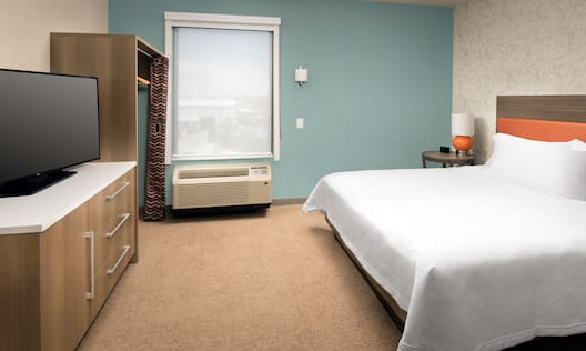 Home2 Suites by Hilton Las Cruces Hotel, NM - King Suite Bedroom