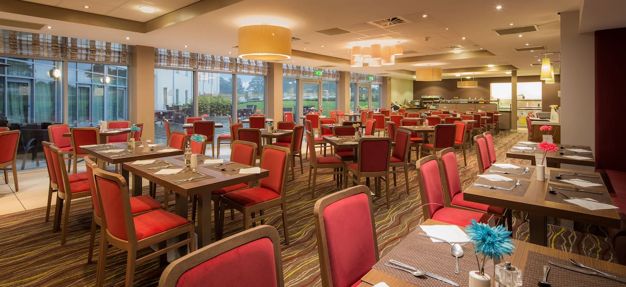 Window, Table and Booth Seating in Hilton Garden Inn Restaurant