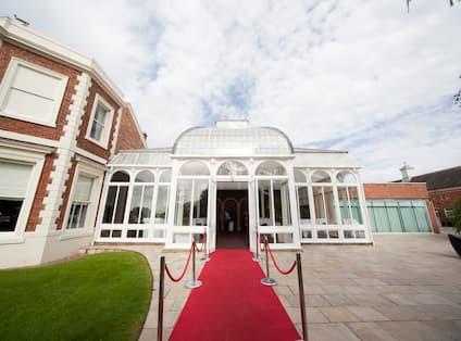 Red Carpet Option