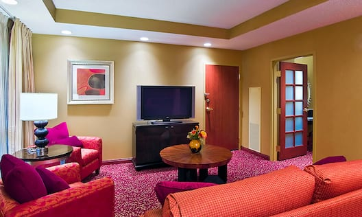 Executive Nonsmoking Suite Living Room