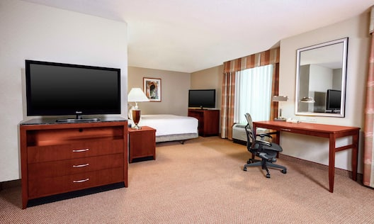 King Suite And Work Desk