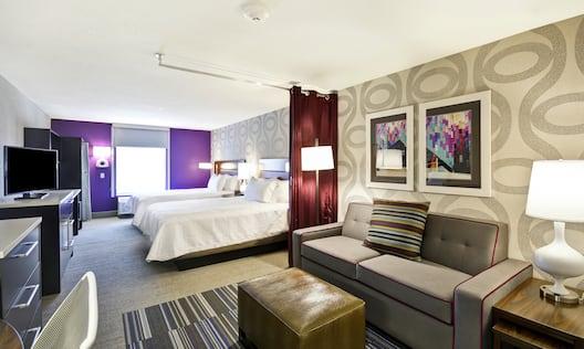 2 Queen Beds Studio Suite