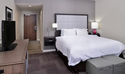 One King Bed Room with HDTV
