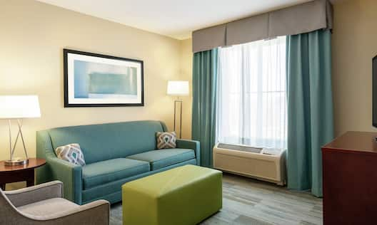 Guestroom Suite Living Area